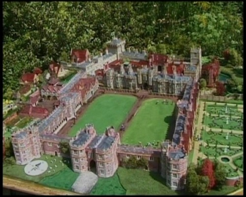 Vanished Palace of Otford - this is an overall view of Rod Shelton's model of the Palace