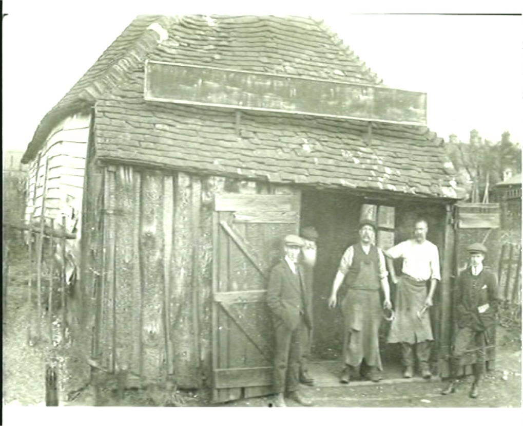 Otford Remembered 1907 - workers take a break outside The Old Forge